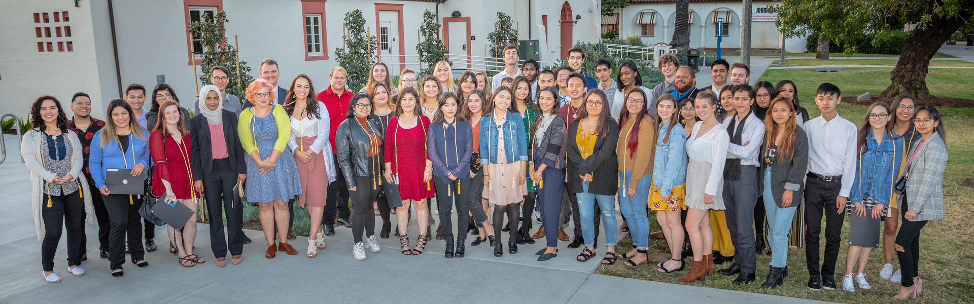 A group shot of LBCC Honors students.