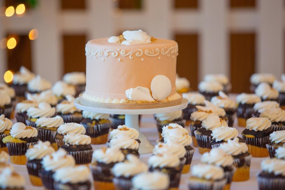 Cake and cupcake with wedding decoration