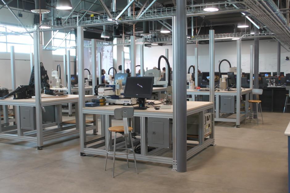 An interior shot of one of the new machine shops in the electrical Technology building.